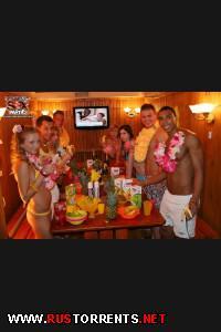 Постер:[StudentSexParties.com] ssp63 Hawaiian college sex party/ Гавайская вечерина в сауне