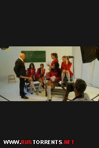 Красивенькие девочки хулиганят после школы |