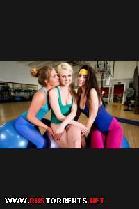 Постер:Девчонки перетрахались в спортзале