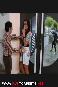 Постер:Покаталась на здоровом члене, пока муж гонял на велике