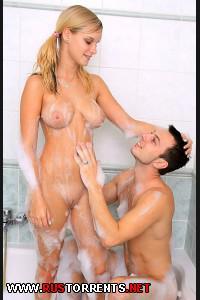 Постер:Горячий Секс с Симпатичной, Грудастой Блондой