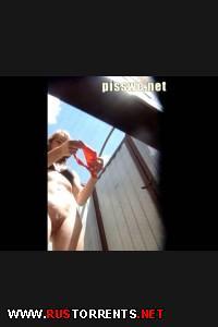 Скрытая камера в пляжной кабинке |