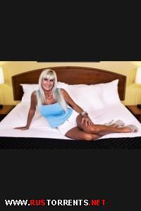Heather (55 year old blonde stripper cougar) |