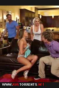 Маму и дочку дерут на одном диване | Alexis Adams, Phoenix Marie - Redneck Sluts