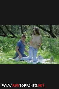 Девушку с огромной грудью трахают в лесу! | [BustyBuffy.com] Lucie Wilde (Outdoor Sex / Е36)