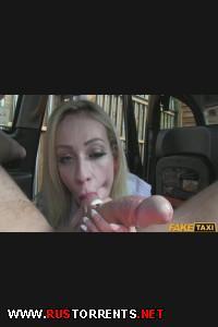 Водитель трахает свою пассажирку | [FakeTaxi.com] Chessie (E164)