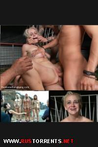 ��������� ��������� ����� ��������� �� ��� ����! | [HardcoreGangBang.com / Kink.com] Marilyn Moore (Young Blonde blogger's Gang-bang Tell All! / 03-12-2014)