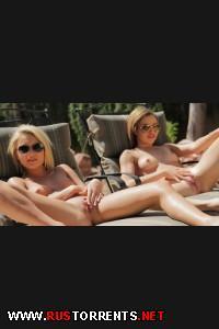 Собрались позагорать  | Natasha White & Dakota Skye (Getting The Pool Ready)