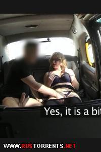 Sexy Mature MILF Seduces Driver - FakeTaxi E218 |