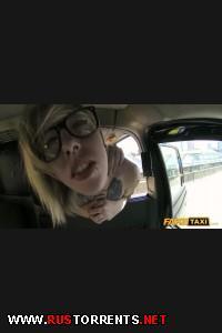 ��������� � ������ � �������� ������������ | [FakeTaxi.com] Blonde with glasses and big tattoos ( 1225 / 30.04.15)