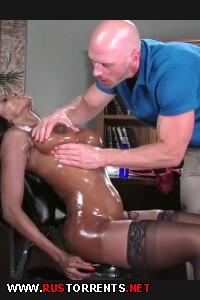 Горячий массаж грудастой начальницы | Diamond Jackson (Oily Office)