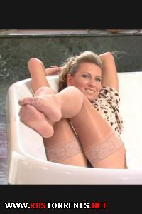 Постер:Прекрасная ванна для секса и писсинга