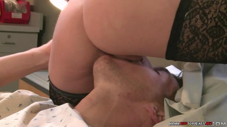 Скриншот 2:Бандит трахнул сексапильного доктора