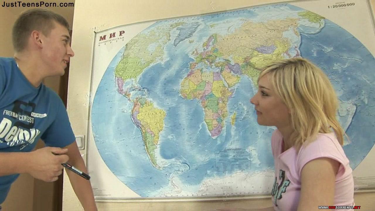 Скриншот 1:Молоденькая Кристина сдаёт экзамен по географии