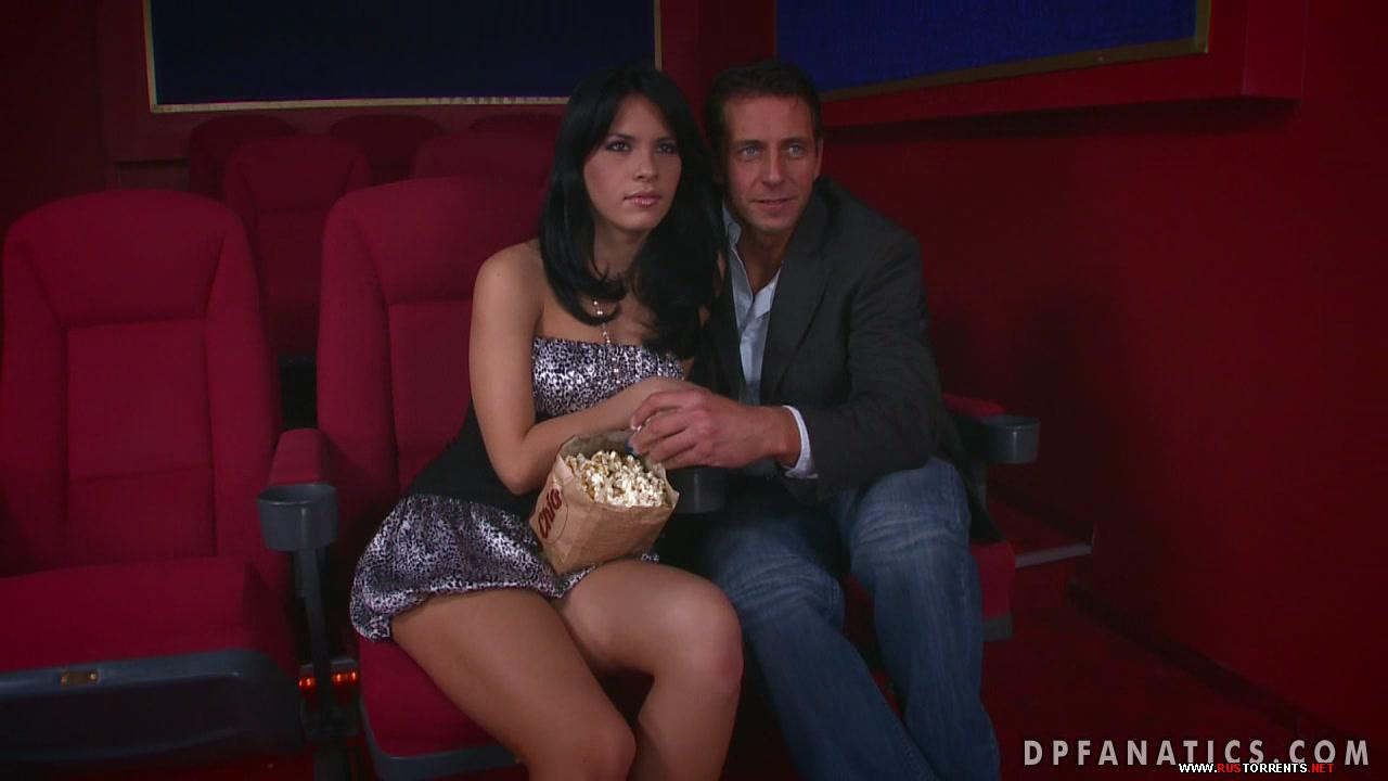 Скриншот 1:Двойной анальный секс прямо в кинозале