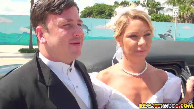 Скриншот 1:Невеста дает незнакомцу в лимузине перед свадьбой