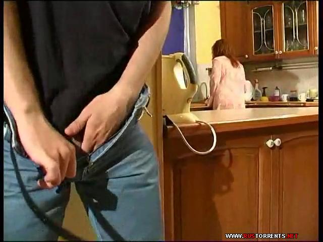 Скриншот 1:На кухне с тетей