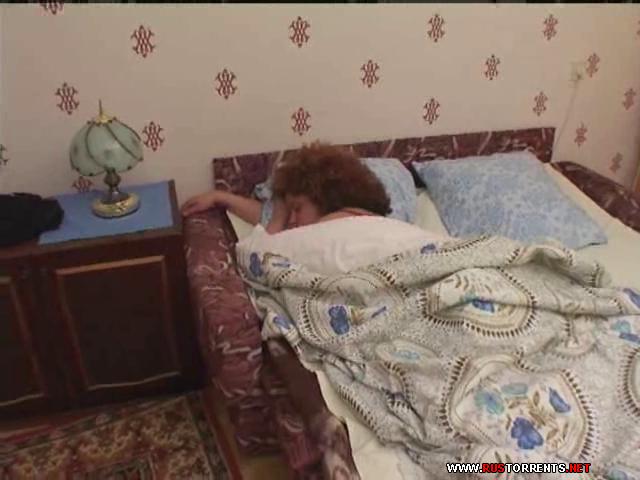 Скриншот 1:Возбужденная мамка и ее пьяный сынок