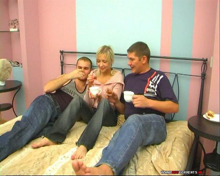 Скриншот 1:Русская девочка и два её озабоченных друга
