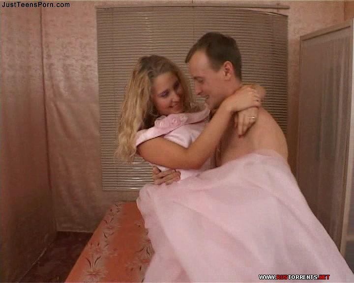 Скриншот 1:Горячий секс с молоденькой невестой Маргаритой