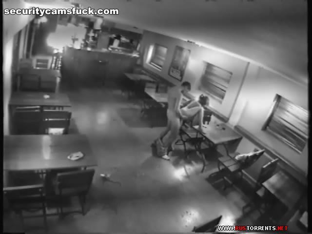 Скриншот 2:Трах в ночном баре под камерой наблюдения