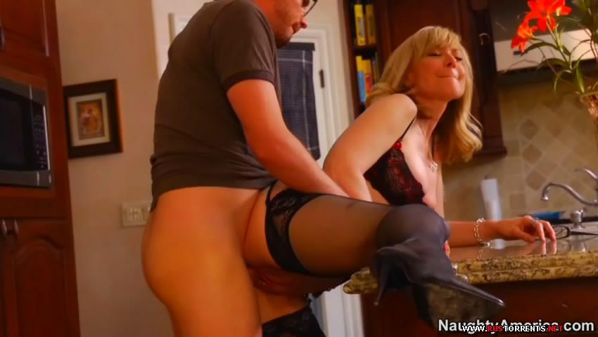 Смотреть порно мать соблазнила сына раздвинув ножки без смс